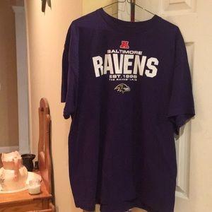 Men's size 2 xl Baltimore Ravens shirt euc